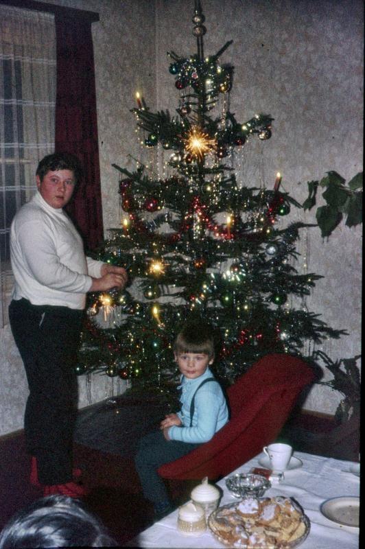 lametta am weihnachtsbaum altmodisch oder noch voll im. Black Bedroom Furniture Sets. Home Design Ideas